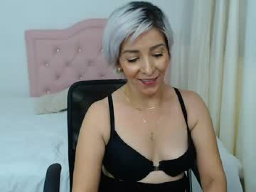 [04-10-20] juli_mature record video with toys from Chaturbate.com