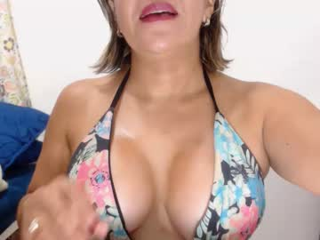 [09-08-20] katty_3 public webcam video from Chaturbate.com