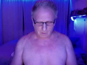 [20-04-21] luis_888 public show from Chaturbate