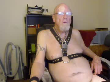 [10-04-20] piggdawg public webcam from Chaturbate